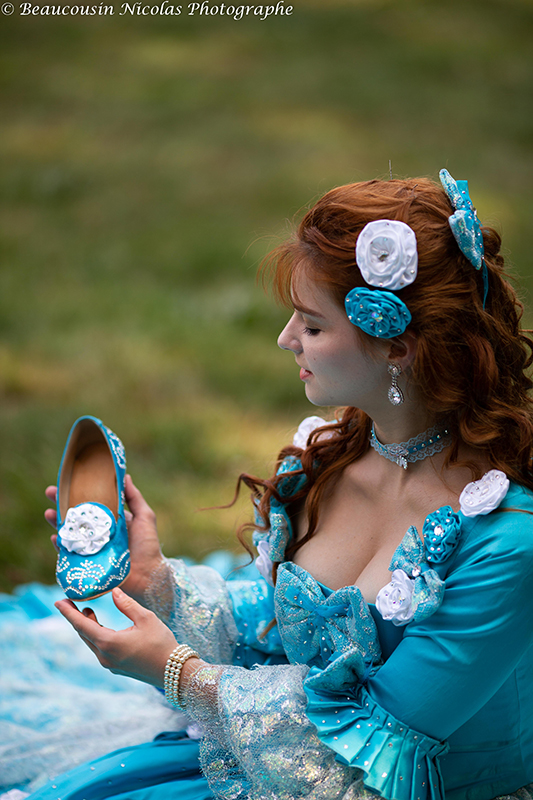 Cendrillon a la pantoufle costume pour shootings photos et prestations costumees il etait une fois made in france conte de fée
