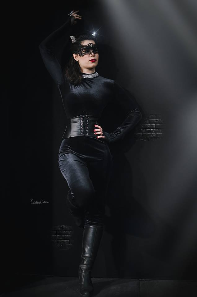 catwoman cosplay dc comics shooting photo modèles photographes il était une fois made in france corset velours cuir strass