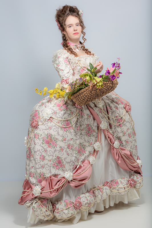 robe baroque fin xviii eme siecle madame elisabeth versailles champetre pastel shooting photos studio photo fleurs haute couture il etait une fois made in france