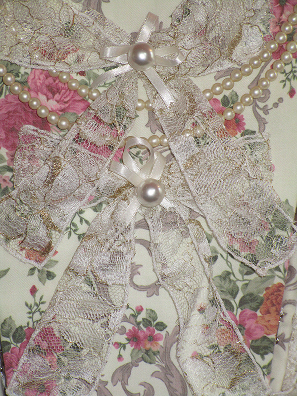 madame elisabeth robe baroque haute couture luxe dentelle calais noeuds perles made in france