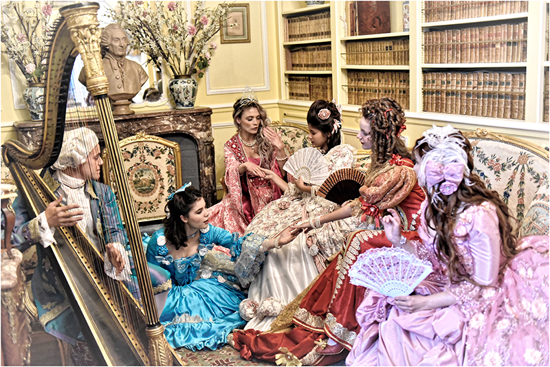 animation costumée prince et princesses au salon versailles breteuil costumes location prestation shooting photo evjf il était une fois made in france