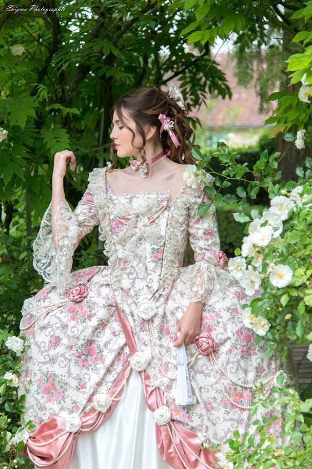 madame elisabeth romantique shooting photo portrait adolescente il était  une fois made in france costume haute
